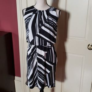 Cool black and white abstract dress! P/S NWT